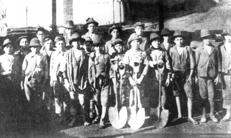 Thumb nin os trabajando en una mina de carbo n  1924