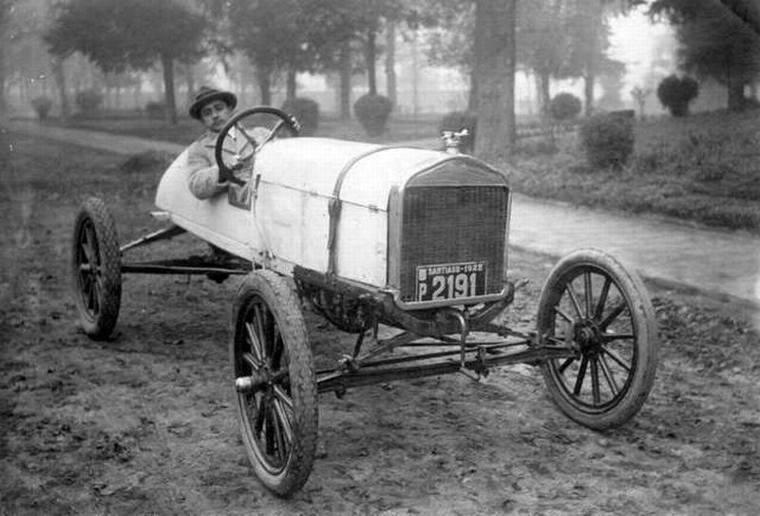 Thumb paseo en auto por el parque forestal de santiago en 1922  ford t 1912