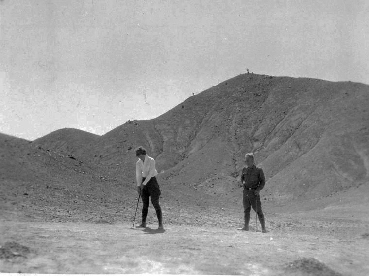 Thumb playing golf at mt montezuma  chile 1928