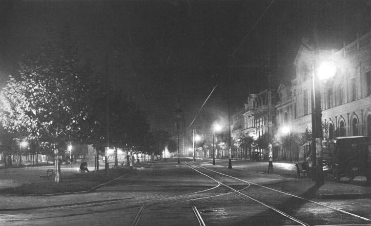 Thumb 07 alameda nocturna en 1927  archivo enel