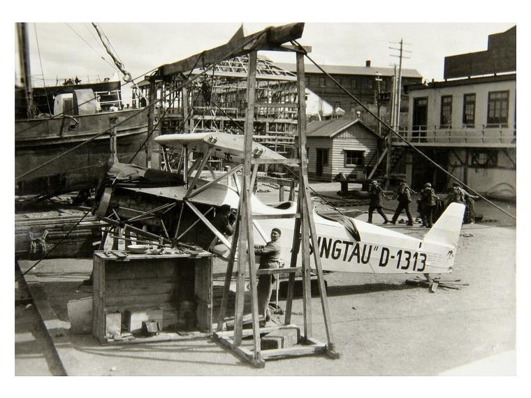 Thumb montaje hidroavi n en punta arenas  astilleros braun y menendez   diciembre 1928